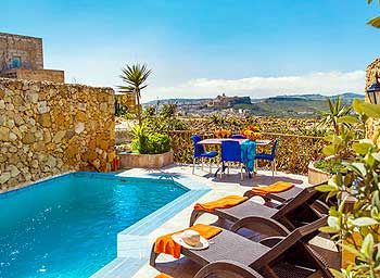 Relax in Gozo Malta, painting holiday in 2020